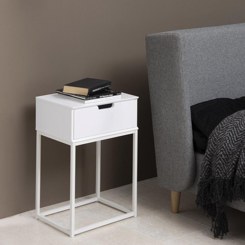 Slumber, Table de chevet blanc tiroir. Table de chevet design blanc Epurée et design, cette table de chevet s'adaptera facilement à chaque style de dé